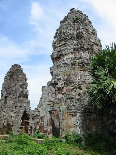 Wat Banan (mini Angkor Wat)