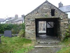 St. Beuno`s lynchgate, Clynnog Fawr (jazzebbess) Tags: chapel graves northwales ecsochistory clynnogfawr stbeunos