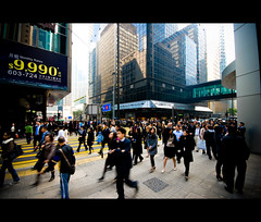 Lunch Hour @ Central (mischiru) Tags: street people hongkong central  crowds  sigma1020 karmapotd karmapotw
