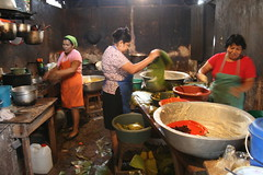 Busy Kitchen - Large Scale Tamuga And Nacatamale Production