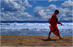 lifeguard in BCN (Seracat) Tags: barcelona sea sky beach clouds mar mediterranean surf bcn playa cel lifeguard catalonia cielo nubes vermell catalunya stolen creu hdr catalua mediterrneo platja roja nvols salvavidas vigilant barcelons catalogne robat mediterrani bogatell robado sonya100 seracat