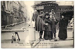 Paris Under the Waters: A Gallant Officer (1910) (postaletrice) Tags: old city madame people woman paris france water smile smiling seine lady vintage de french la mujer ledefrance cityscape gente natural flood footbridge antique postcard femme police ciudad paisaje pump antigua disaster pasarela agent urbano postal sonrisa bomba 1910 talking chatting paysage francia sourire officer ville postale policeman gens carte ancienne flooded francesa waterscape sena crue gendarme urbaine seora tarjeta cpa passerelle desastre polica belleepoque pompe franaise inondations inundacin hablando parlant souriant floodings crecida inond