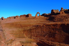 Delicate Arch (Jackan!) Tags: utah sandstone balloon bap redrock archesnationalpark delicatearch notkap