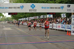 DSC_6850 (Independence Blue Cross) Tags: philadelphia race nikon marathon running health runners philly broadstreet 2010 ibc dailynews bluecross d300 ibx broadstreetrun independencebluecross d700 bluecrossbroadstreetrun ibxcom ibxrun10
