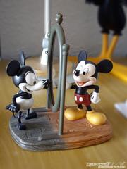 Mickey Mouse (Acero y Magia) Tags: mickeymouse disney figura porcelana