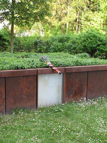 Actos Hartheim, homenaje junto a la fosa común