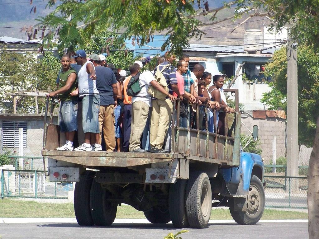 Cuba: fotos del acontecer diario - Página 6 3258062637_0ef68e2c0e_b