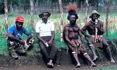 huli13 (deepchi1) Tags: flute papuanewguinea newguinea highlanders huliwigmen bilumbag