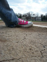 Lone Chuck (BREananicOLE) Tags: shoes converse hightops kicks allstar chucks chucktaylors allstars