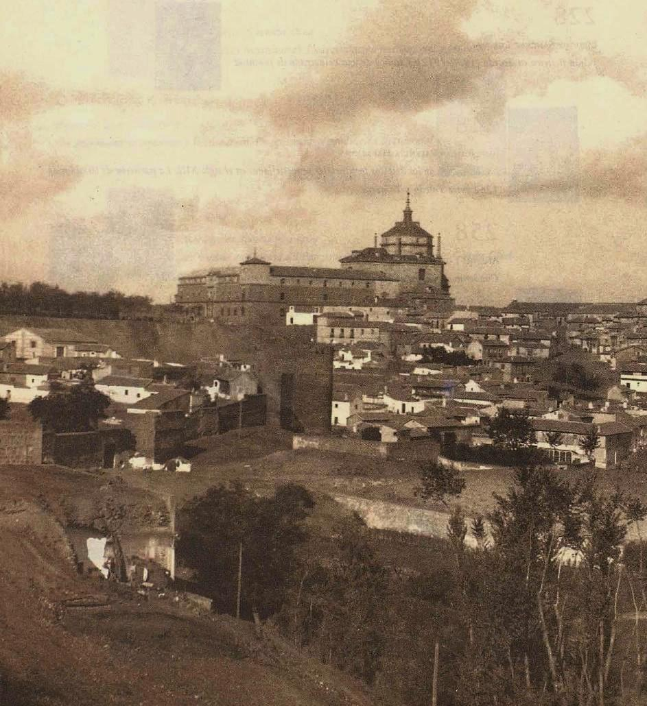 Hospital Tavera, Puerta del Vado y Muralla a principios de siglo