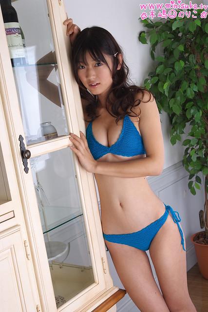 木嶋のりこさんのインナー姿