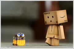 Danboard meet WALLE... (EdwardLee's collection) Tags: movie toy toys robot disney collection pixar kaiyodo walle yotsubato yotsuba yujin revoltech jfigure walle danboard edwardlees walle