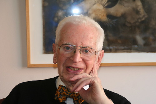 Photo of Dr. Grossman, 94 year old Portland Doctor
