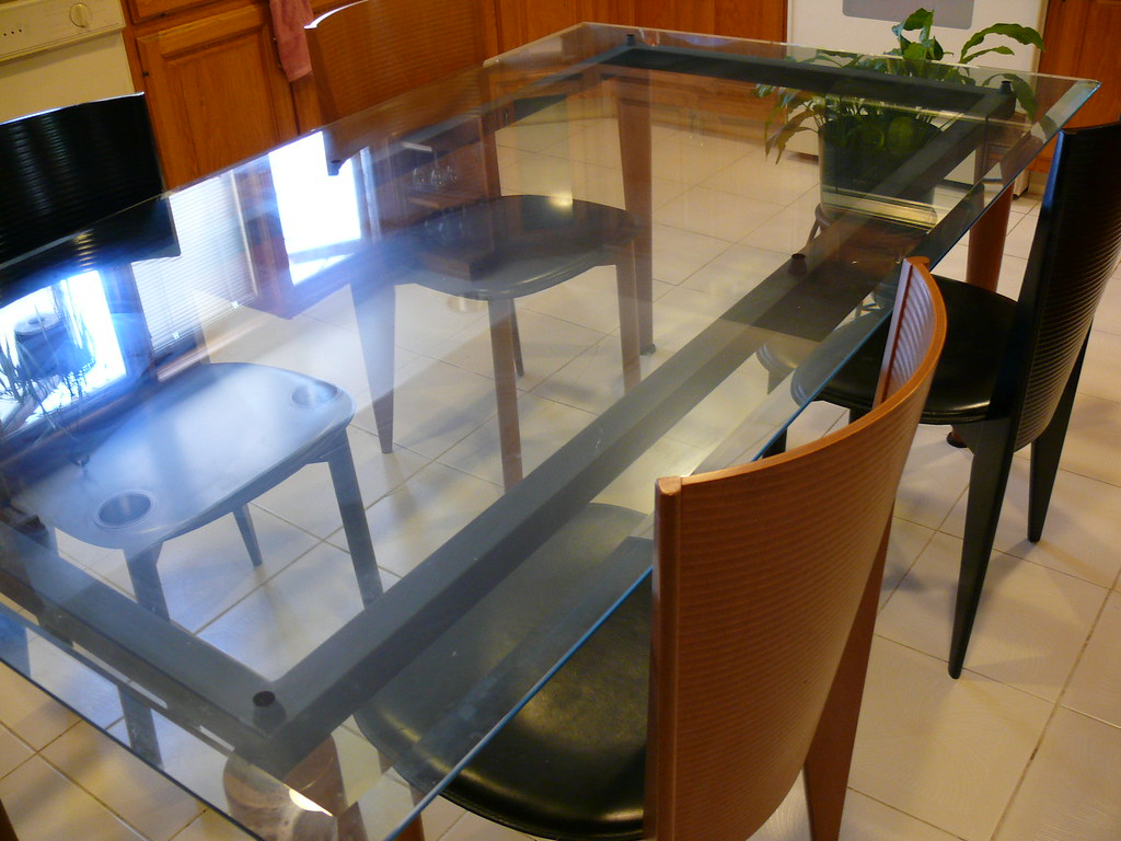 Calligaris Dining Table Set (Table and 4 chairs) $2000 o.b.o