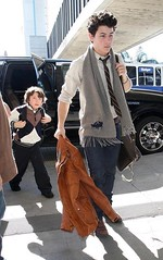 Nick and Frankie Jonas (breakingmyheartonceagain.) Tags: mandy nyc music hot sexy adam love muscles shirt danger magazine joseph paul hope concert kevin brothers brother tag famous nick jerry danielle joe jr save frankie nicholas teen destiny k2 demi jb paranoid cyrus denise hm jonas crush camille rare myhero mylove diabetes mrpresident miley rares bayer makeadifference joesph jonasbrothers niley frankthetank nickj hannahmontana mileycyrus jonasbrother nickjonas pauljonas kevinjonas joejonas jobros nicholasjerry nelena mileyandmandyshow destinyhope