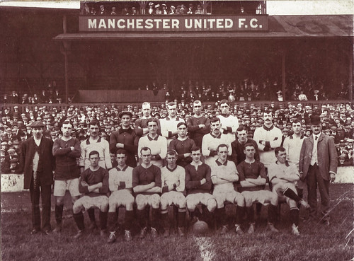 Manchester United 1907-08 team photograph