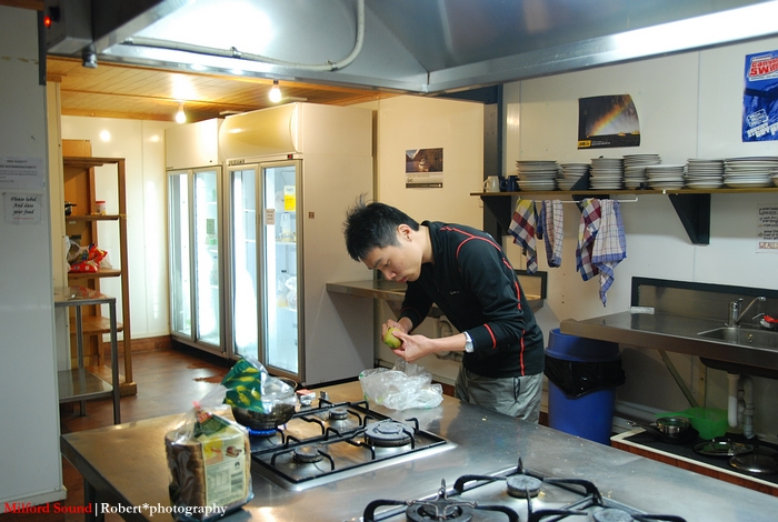 空盪盪的廚房