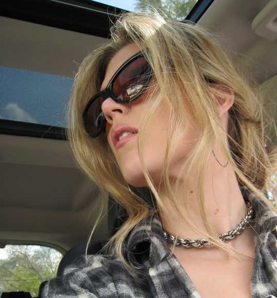 rope chain necklace+tom ford cat eye sunglasses
