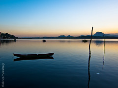 Reflexos (Walter Rozindo Jr.) Tags: sea brasil boats mar barcos paisagem vitria espritosanto canoas ilhadascaieiras canons95