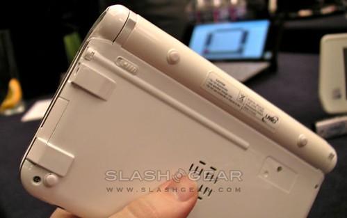 umid-m1-mid-mwc09-slashgear-04-androidcommunitycom