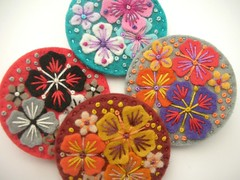 NEW 'SUMMER RAIN' MINI FELT BROOCHES (APPLIQUE-designedbyjane) Tags: flower pin brooch felt frenchknot