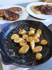 Pikelets & Banana