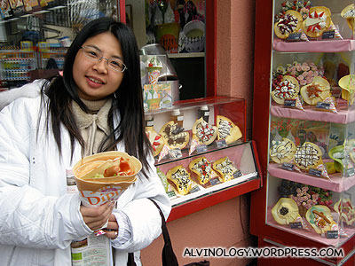 Meiyen with her crepe