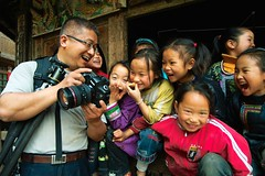 Dong fun (morten almqvist) Tags: china smile kids happy sigma guizhou 1530mm sd14 zengchong sigma50th