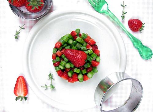 Tartare di asparagi e fragole