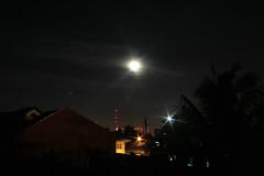 IMG_7395 copy (jcresuello) Tags: city cars night skeleton effects lights cool long exposure philippines manila trucks roads mrt scape dpp edsa dotc kodakero
