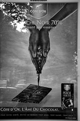 The chocolate making ad by Cte d'Or Full B&W (jmvnoos in Paris) Tags: bw paris france advertising poster blackwhite pub nikon chocolate ad chocolates nb fr publicit champselyses chocolat affiche noirblanc d300 75008 chocolats ctedor jmvnoos