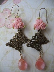 Papillon in Peach