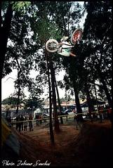 chambinho   (Persio dirt park continetal) (F.sanchesbmx) Tags: street bike brasil canon bmx flat canon300d sãopaulo dirt mtb rua flatland dirtjump 30d canon50mm canon1855mm canon75300mm canon30d bmxer 1855mmcanon radioslave 1022mmcanon bmxbrasil bmxbrazil flatlandbrazil 75300mmcanon flatlandbrasil flashescanon580ex salãoduasrodas2008 canonflashes430ez flashesvivitar285hv radioslavequantum 5018mmcanon