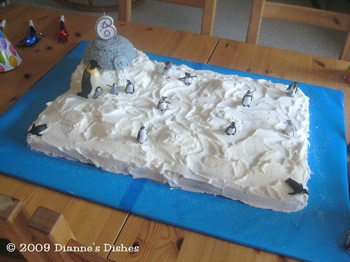 Pegnuin Cake