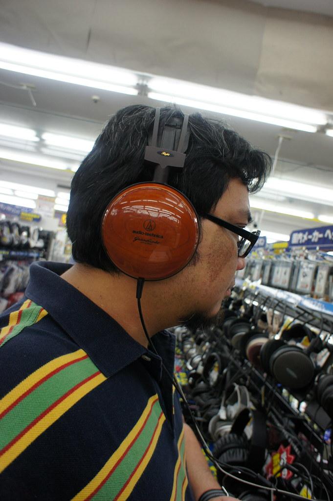 5839104717_d4b8e2648c_b A Filipino Headphiler in Osaka