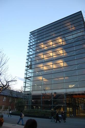 [立教大学21世紀デザイン公開講座]きれいな建物