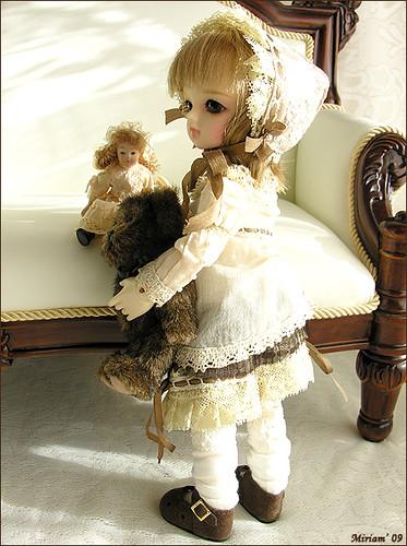 Интересный арт с куклами. 3217769857_1a58198ef9