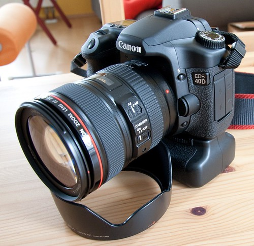 Canon EOS 40D with 24–105 f/4 L IS USM lens