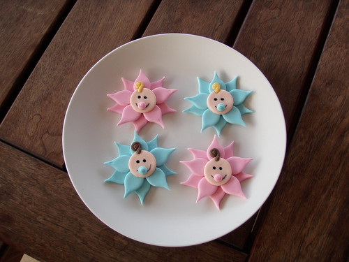 Mossyu0027s Masterpiece Baby Shower Cupcake Toppers   Baby Flowers
