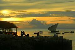 Zanzibar (chiar@s.) Tags: port boats waiting indianocean zanzibar stonetown fabulous attesa chiaras mywinners ungujaisland fleursetnature mmmilikeit
