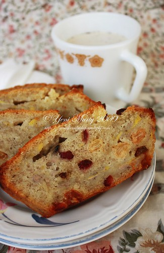 Raisin banana Bread 2