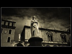 Watchers (guiba6) Tags: leica italy sepia dante verona watchers piazzadante elmarit21 osservano leicam82