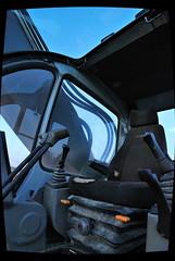 Cockpit (elaintahra) Tags: vuosaari traktori tokina1116