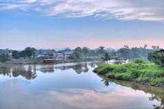 Sarawak D3 HDR 001 - Batu Kawa ( .  . ) Tags: mountain misty sarawak malaysia borneo hdr nikond300