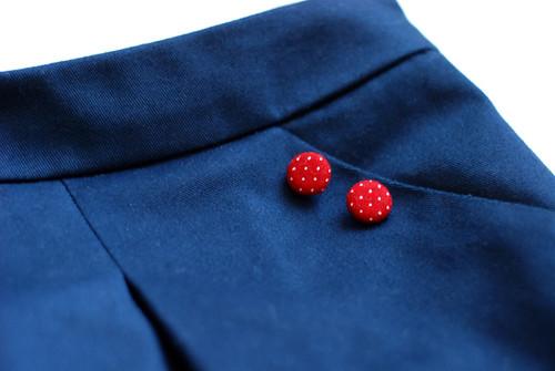 blueskirtbuttons