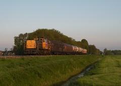Loppersum - 20 mei 2010 (Kars Cleveringa) Tags: train zug db cargo trein loppersum railion schenker 6400 6412 goederentrein dbsrn