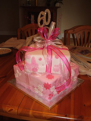 gift box cake designs. New design gift box cake.