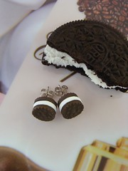 Cookies! (Shay Aaron) Tags: food white black dessert miniature cookie fake polymerclay faux oreo עגילים קינוח עוגיה תכשיט אוכלמיניאטורי אוראו קראנץ