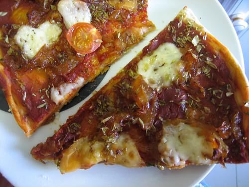 pizza com cebola caramelizada
