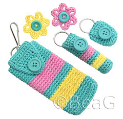 Gift Set (Cadeauset) (Made by BeaG) Tags: pink blue original flower cute yellow set creativity design cozy keychain aqua pretty artist belgium designer handmade unique oneofakind ooak kunst brooch crochet cellphone belgi creation matching giftset crocheted holder lipbalm unica unicum beag gehaakt flowerbrooch matchingset kunstenares uniquedesign ontwerpster originaldesigner creativedesigner crochetedkeychain handmadekeychain keychaincrochet crochetkeychain telefoonhoesje keychainlipbalmholder telefoonhoesjes crochetedgiftset cadeausetje keychaincellphoneholder keychaincoinholder designedandmadebybeag uniekontwerp ontworpenengemaaktdoorbeag gehaakttelefoonhoesje gehaaktetelefoonhoesjes gehaaktesleutelhanger crochetkeychains
